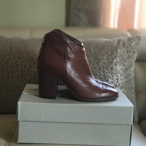 Clark's Booties, Ankle Boots 7.5 Lora Lana